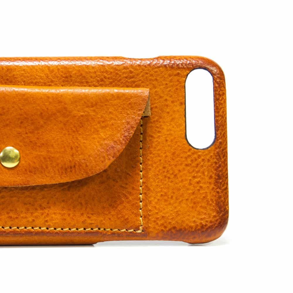 iPhone 7 Plus Leather Case Flap, Brandy, Detail