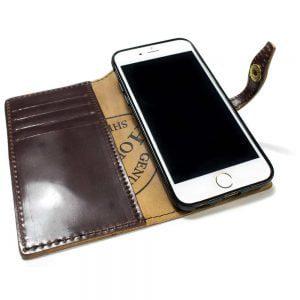 iPhone 7 - Étui à rabat en cuir, Shell Cordovan Burgundy, Ouvert
