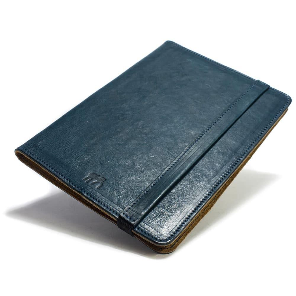 iPad Pro 9,7 Leather Cover Portfolio, Petroleum, Close