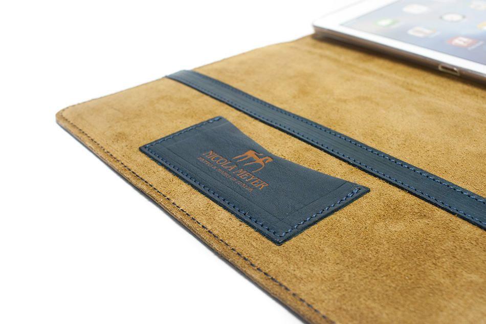 iPad Pro 9,7 Leather Cover Portfolio, Petroleum, Detail