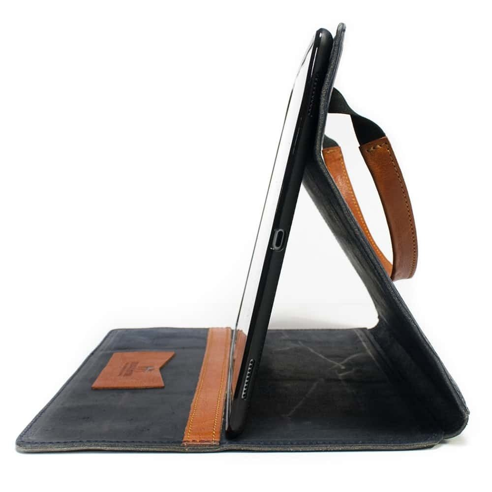 iPad Pro 12,9 Portfolio, Dark Blue and Brandy, by Nicola Meyer