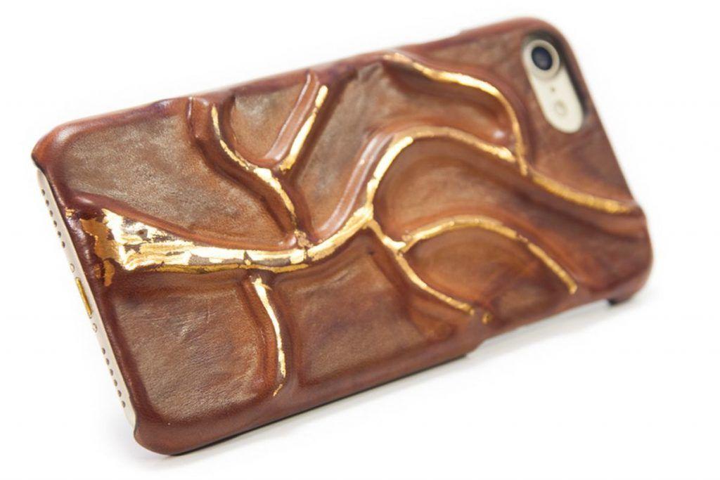 2 Img 2330 Ip7 Creative Bruciato Copper Laminated Leather Case Iphone Nicola Meyer