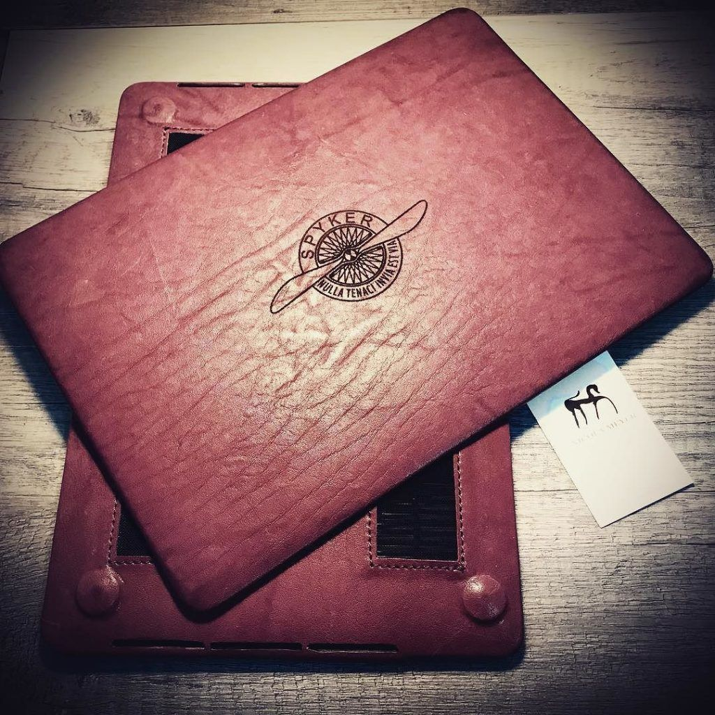 Case For A Macbook 13 2017 A1706 A1708 Made Of Washed Italian Vegetable Tanned Leather. Color Prugna, Nicola Meyer